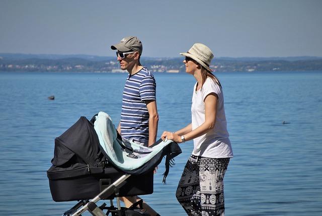 fot. pixabay. com - wózek dla niemowlaka